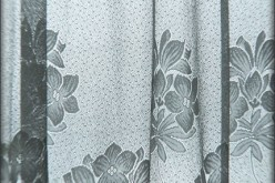 How to Shop for White Sale Curtains