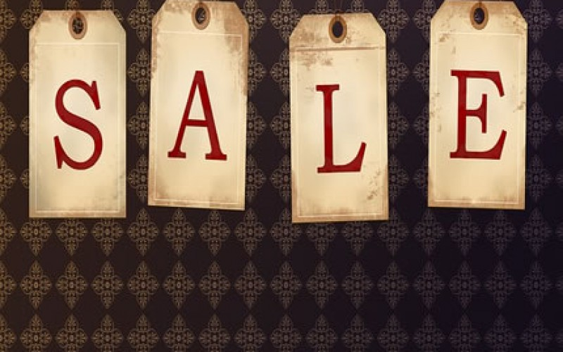 Decorate Your Home the Tag Sale Way