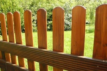 DIY Garden Fence Building: 15 Steps