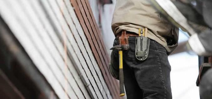 When Do You Need To Call In The Professionals For Home Renovation Projects?