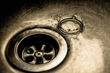 <span>Weekly Tip for Dec 13:</span> Down the Drain: What Your Stinky Sink Could Mean