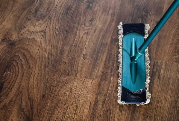 How to Make Your Hardwood Floor Look More Presentable