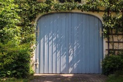 5 Reasons why Replacing Your Garage Door is a Smart Investment