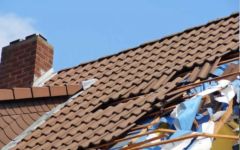 Ready to Roof: A Checklist before Getting a Roof Replacement