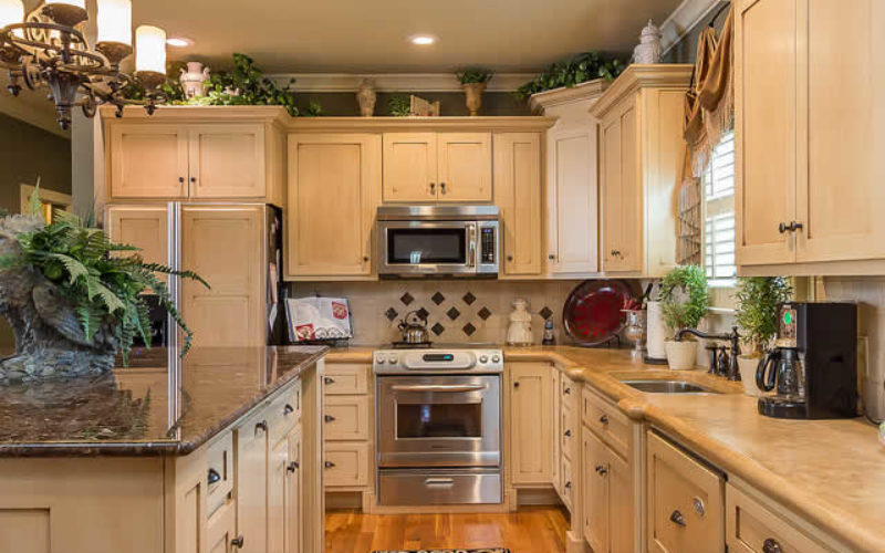 Stock Cabinets vs Custom Cabinets: What are the Key ...