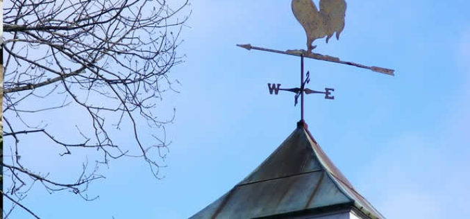 Three Beautiful Roof Decorations That will Astound Your Neighbors (Without Breaking the Bank)