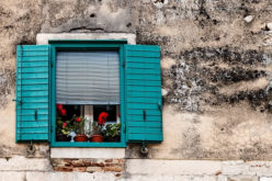 How To Choose the Right Exterior Louvered Window Shutters For Your Home