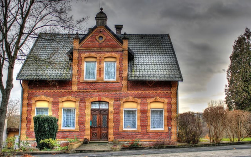 Home Ownership: How to Improve the Quality of Your Old Home