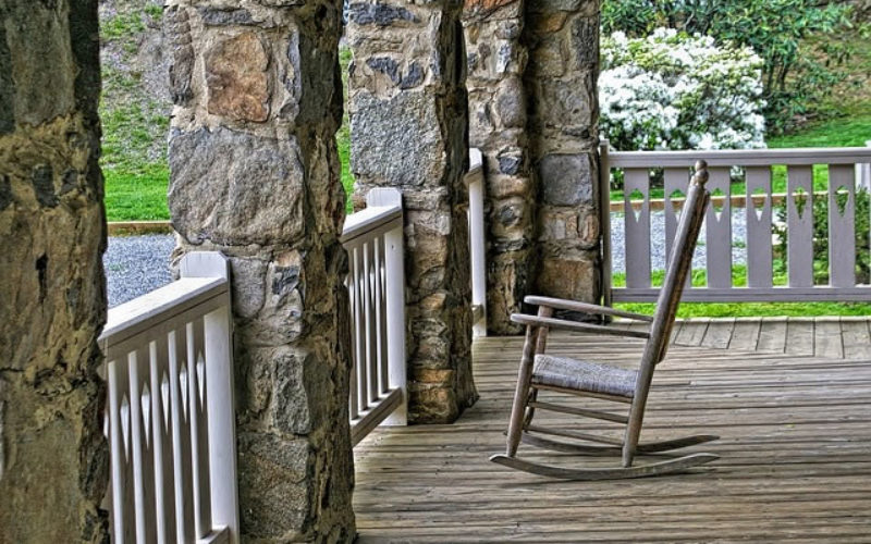 5 Reasons to Add a Porch to Your Home