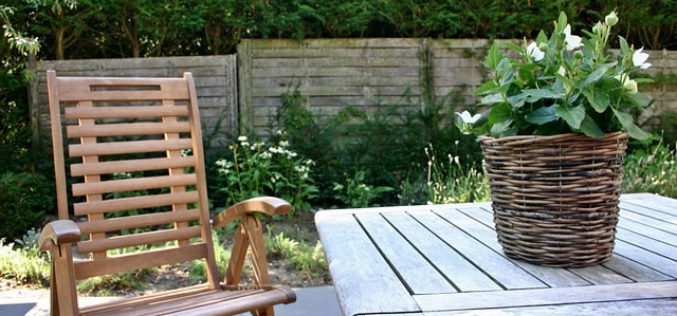 <span>Sunday Morning Tip for Sept 24:</span> Garden Furniture for Next Summer