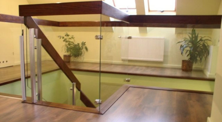 Give a New Look to Your Home with Glass Balustrades