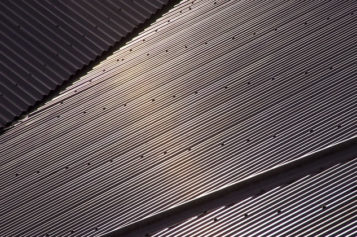 Roof Renovations: 4 Reasons to Consider Metal Roofing for Your Home
