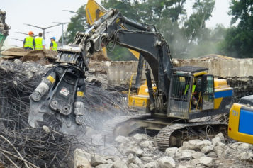 Guide to Find the Best Demolition Team for Demolishing A Property