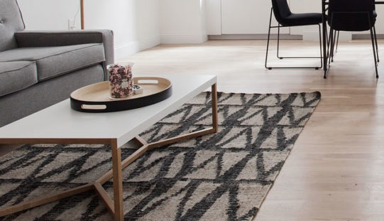 How Rugs Affect Room Size and Aesthetics