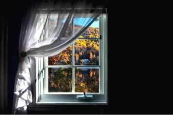Old Home Renovations: 3 Reasons to Replace Your Windows before This Fall