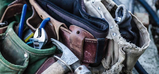 <span>Sunday Morning Tip for Dec 16:</span> 4 Helpful Tools Every Contractor Needs during Construction