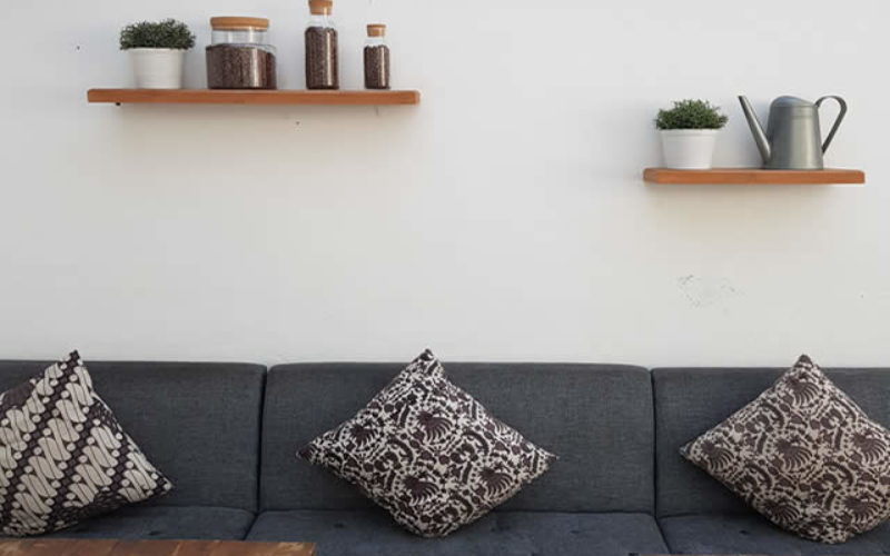 10 Affordable and Impactful Home Personalizing Tricks for Renters