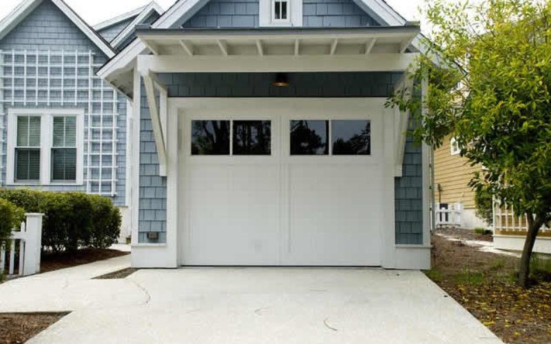 4 Signs Your Garage Door Needs Repair or Replacement