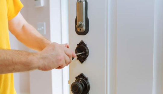 How Can I Find a Locksmith Near Me?