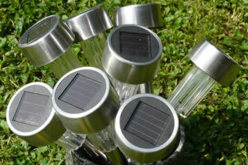 Wired or Solar: Choosing Right Landscape Lighting