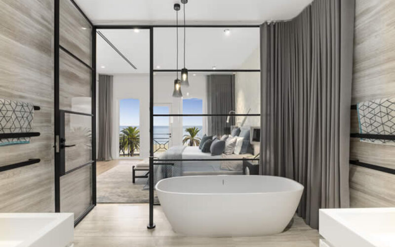 Modern Bathtub Designs for Enhancing Beauty of Your Newly Built Bathroom