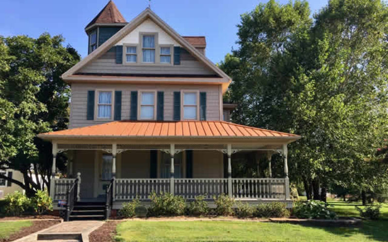 <span>Sunday Morning Tip for May 03:</span> 4 of the Most Important Repairs to Make When Restoring an Old Home