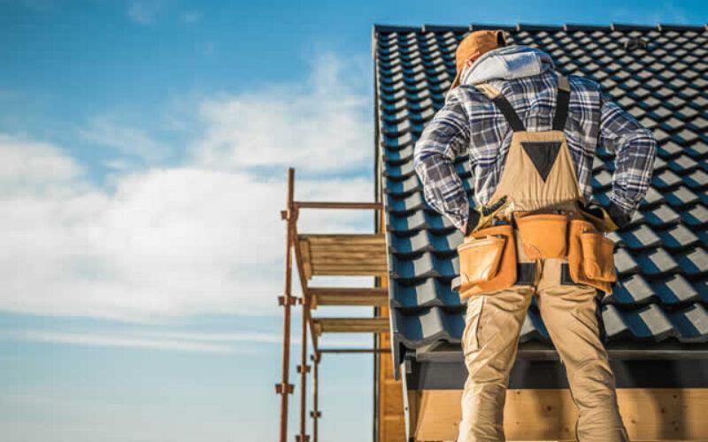 6 Factors to Consider When Hiring Roofing Contractors