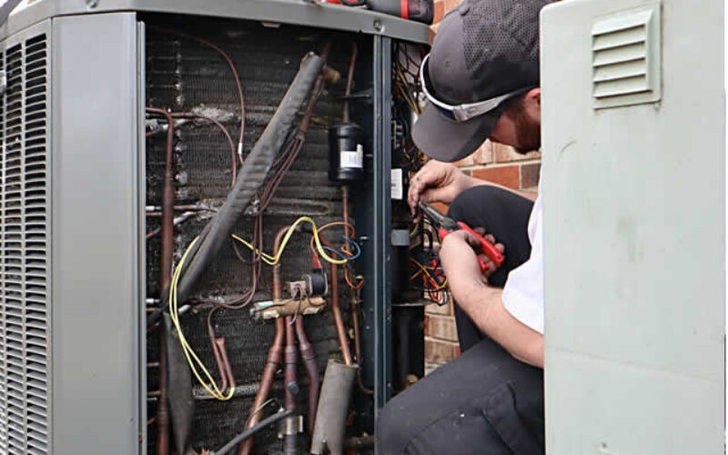 Why You Should Hire Heating and Cooling HVAC Services in Iowa