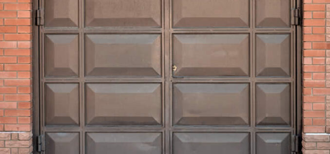 How To Know When To Replace Your Garage Door
