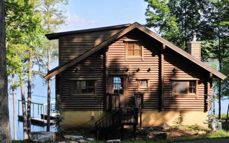 The Real Advantages of a Wooden Summer House in Your Property