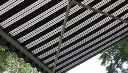 Top Reasons To Add a Retractable Awning to Your Home