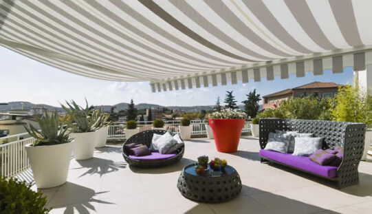 The Ultimate Buyer's Guide to Outdoor Awnings