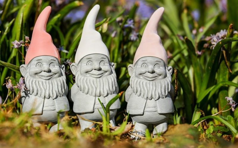 Using Garden Gnomes to Define a Yard Personality