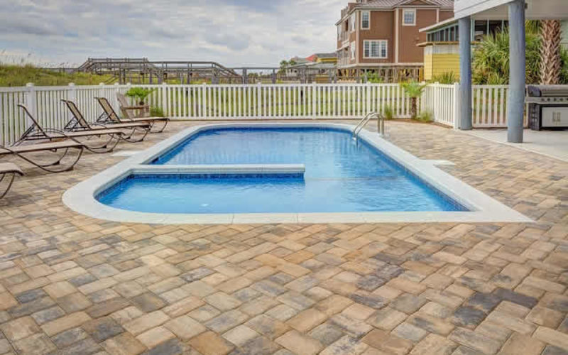 Building a Backyard Pool? 4 Nifty Additions