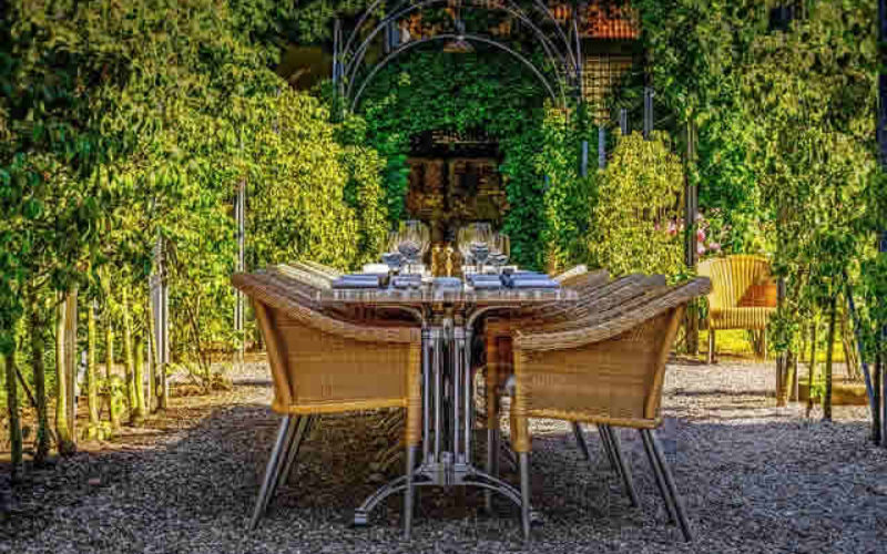 Summer Clearance – Time to Get Your Deck Dining Set