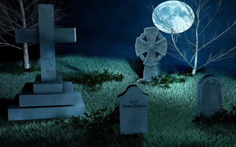 Decorating a Halloween Cemetery In Your Front Yard