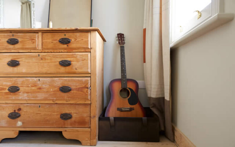 Tidy Up Your Bedroom Using the Right Storage Furniture