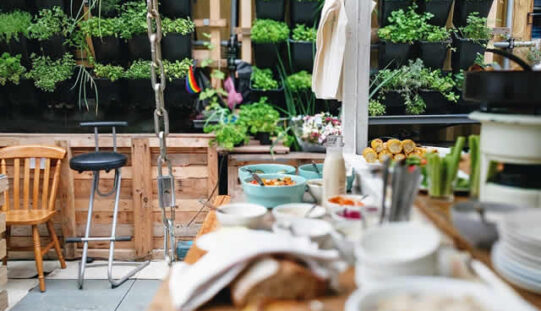 How to Create an Amazing Outdoor Kitchen?