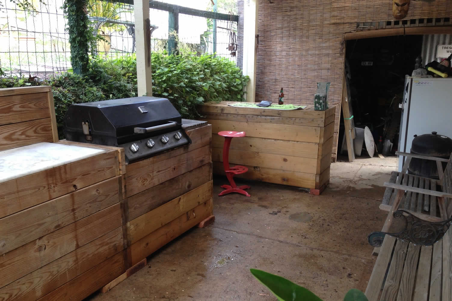 create an amazing outdoor kitchen