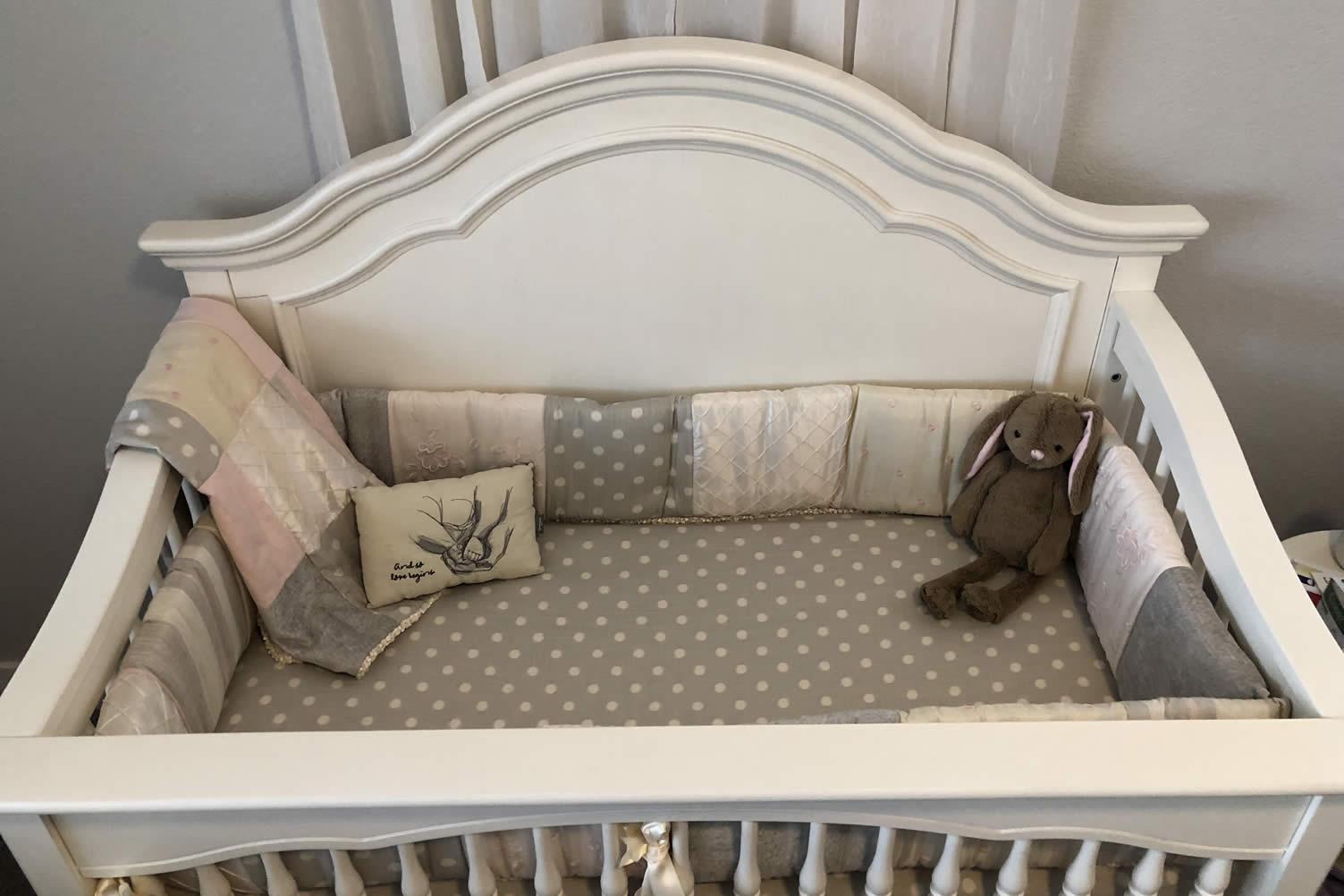 decorating a baby nursery room