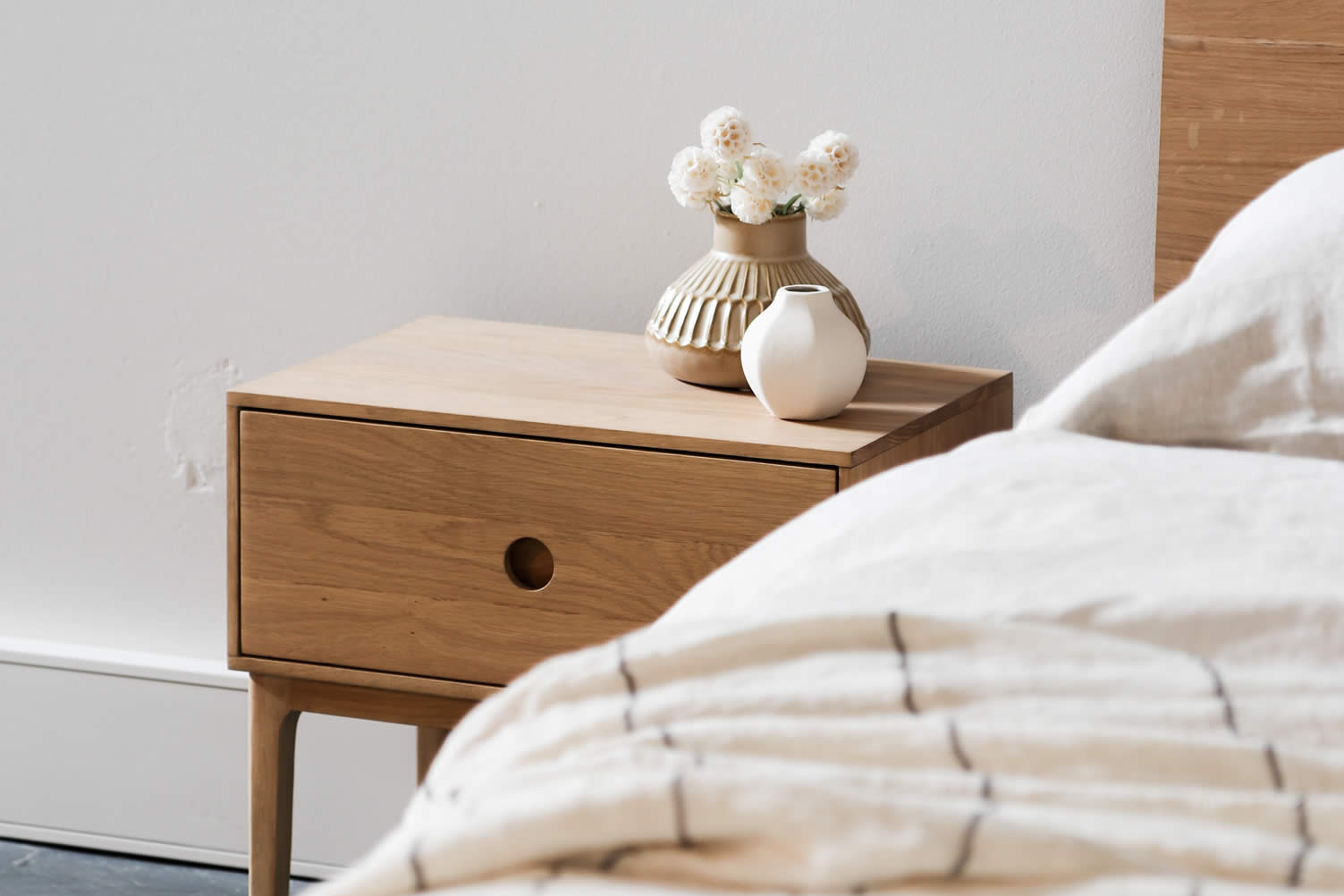 decorate your bedroom with wood elements