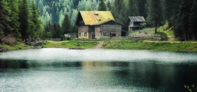 Tips for Choosing the Right Lake House